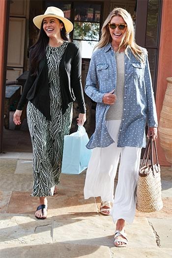 Womens Relaxing - Woman walking with shopping bags