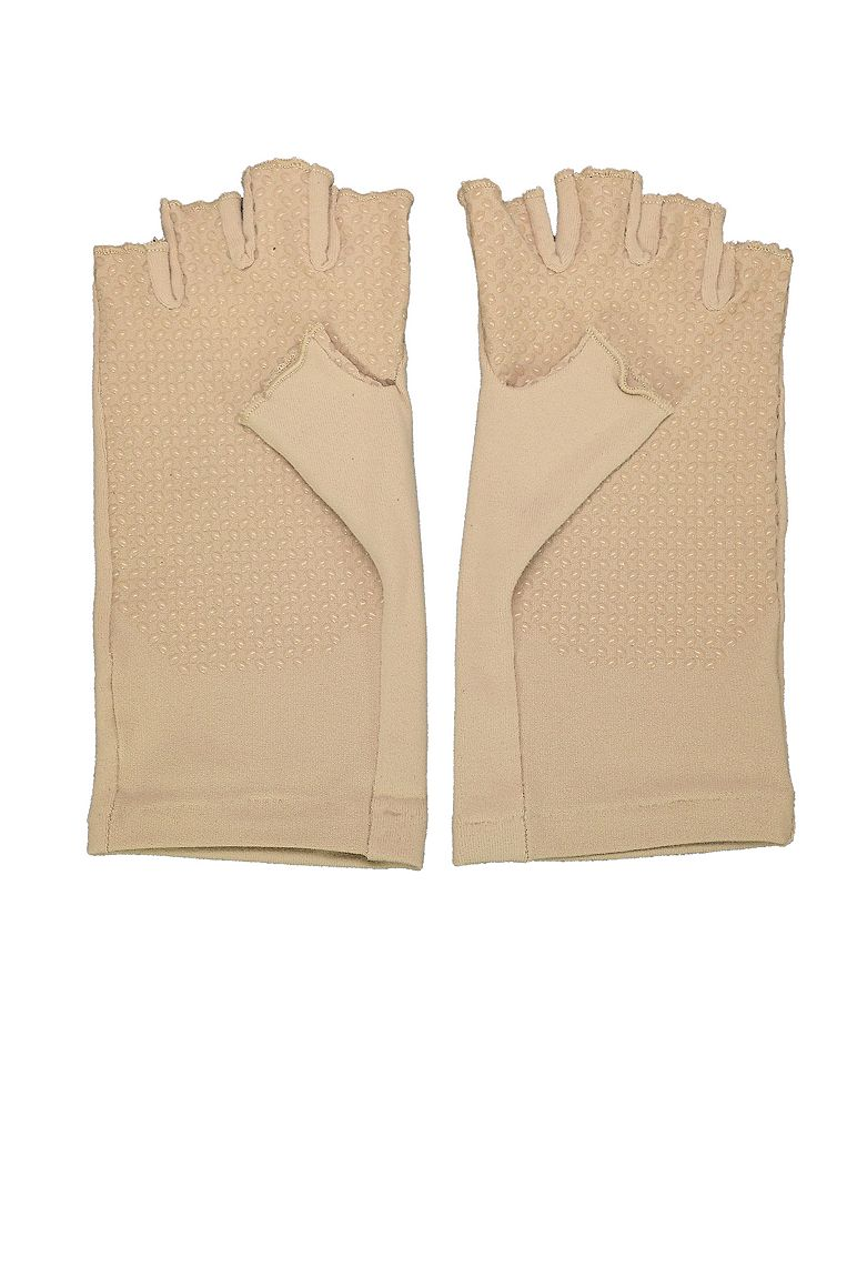 07032-001-1000-1-coolibar-fingerless-gloves-upf-50_4_1