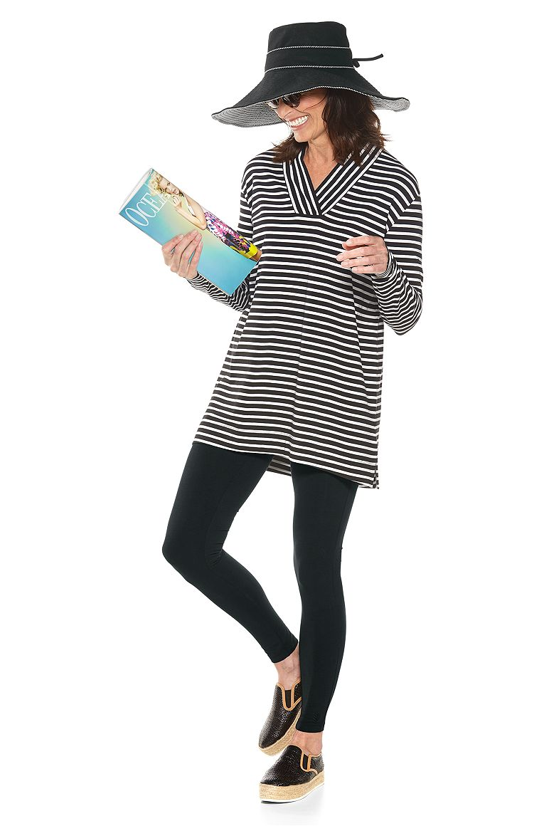 Taos Pullover & Summer Leggings Outfit