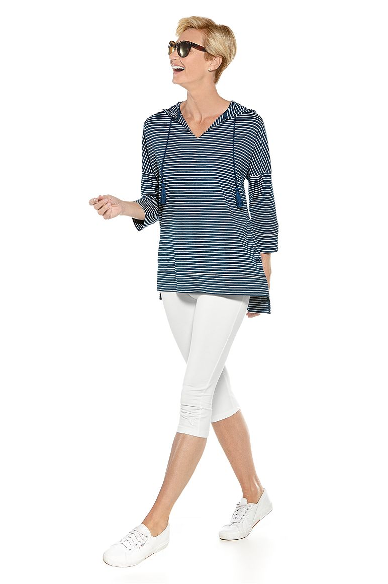 Beach Hoodie & Summer Capris Outfit