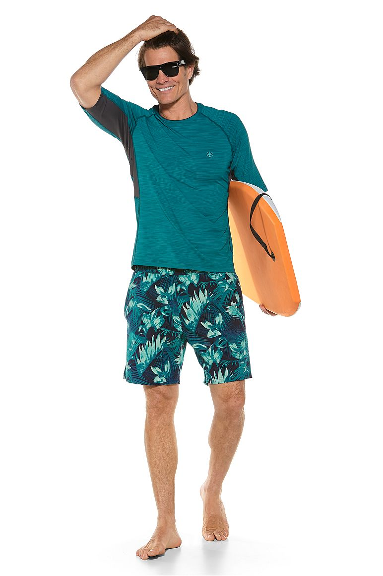 S/S Ultimate Rash Guard & Kahuna Swimming Shorts Outfit