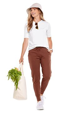 Morada Everyday Short Sleeve T-Shirt & Maho Weekend Pants Outfit